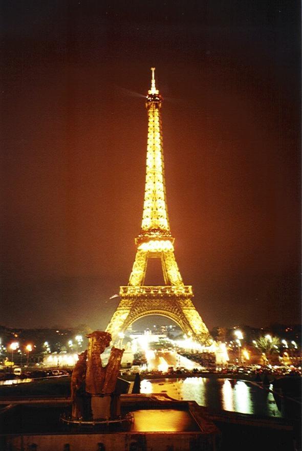 Eifelova věž - symbol Paříže